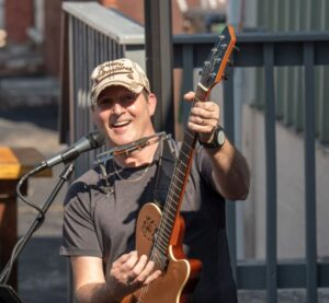 Live Music with Dan Carter